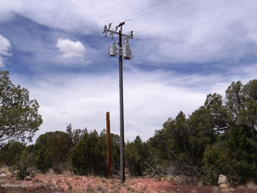 32001 W Outlander Way Seligman, AZ 86337 - MLS #: 1012037