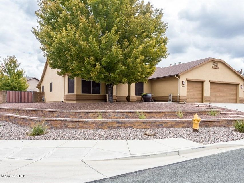 One of Prescott Valley 4 Bedroom Homes for Sale at 7969 N Sunset Ridge