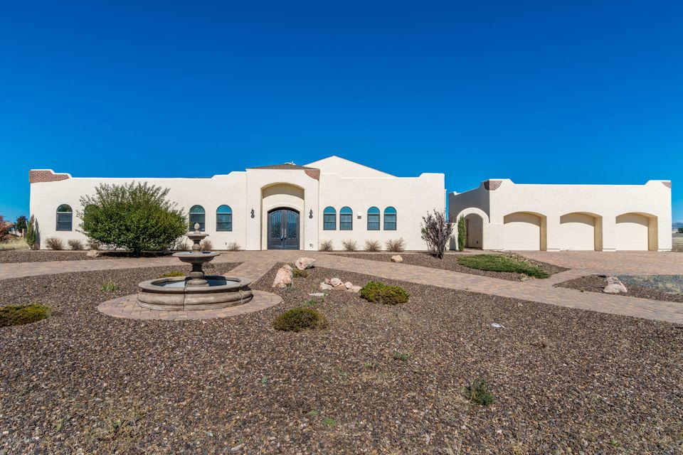 8010 E Slash Arrow Drive, one of homes for sale in Prescott Valley