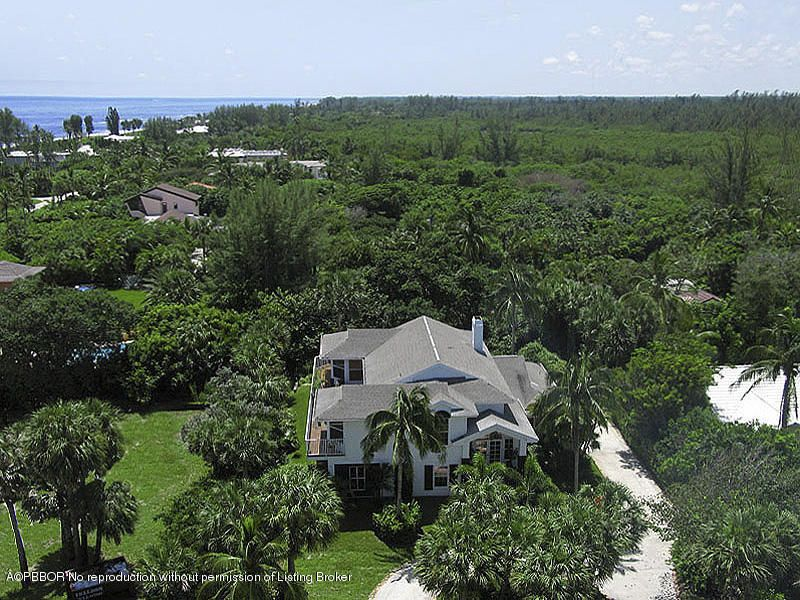 2 Clearview Avenue, Hobe Sound, FL 33455