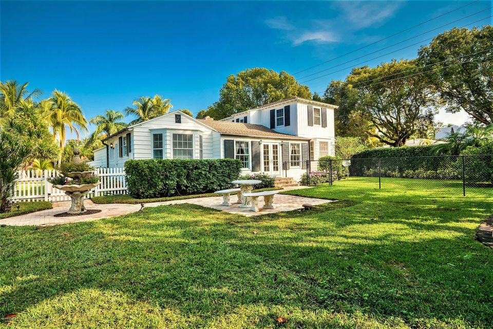 800 Claremore Drive - West Palm Beach, Florida