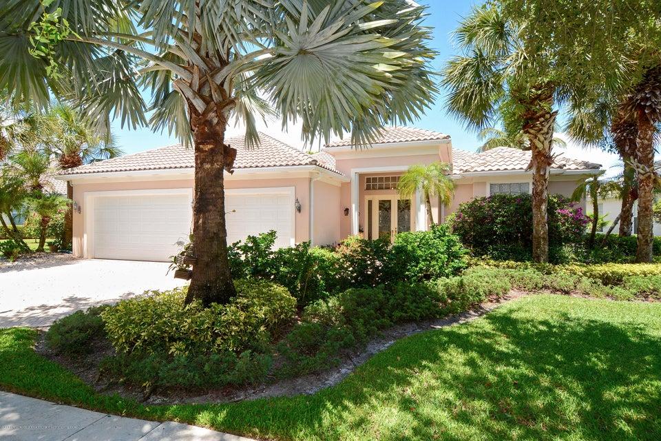 1673 Flagler Manor Circle, West Palm Beach, FL 33411