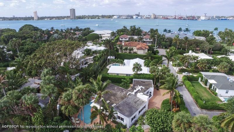 220 Onondaga Avenue, Palm Beach, FL 33480