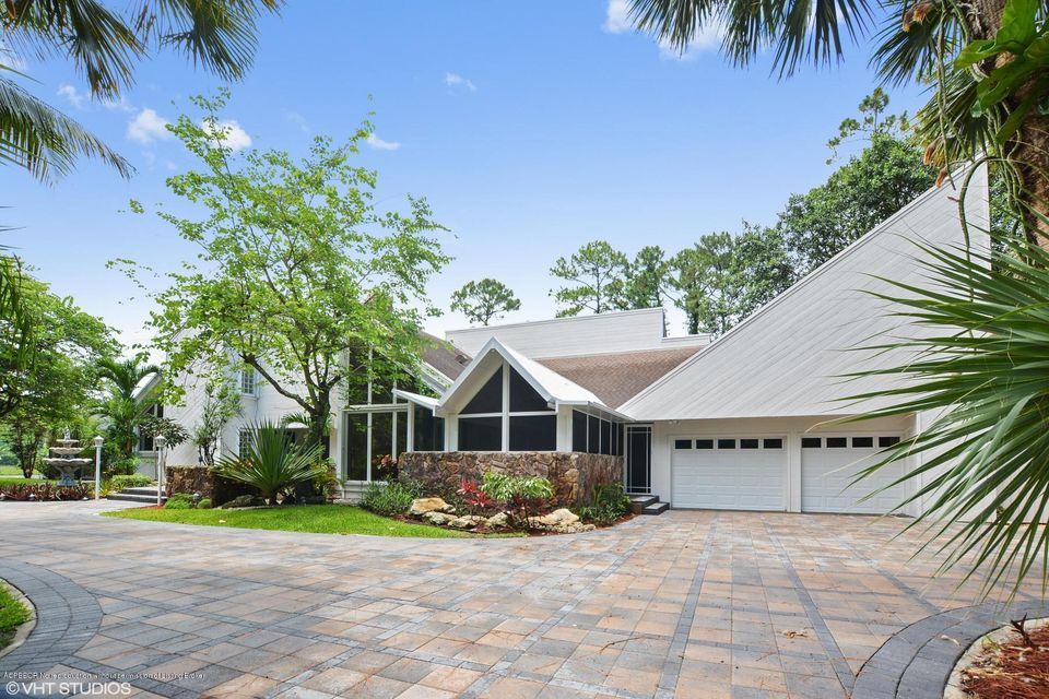 8711 Thousand Pines Drive, West Palm Beach, FL 33411
