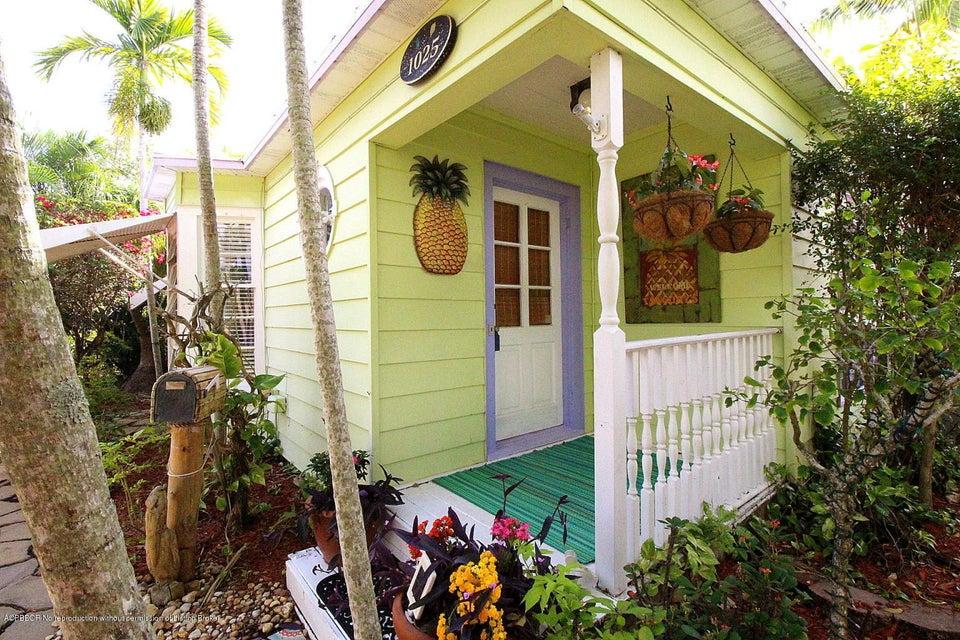 1025 N Palmway, Lake Worth, FL 33460