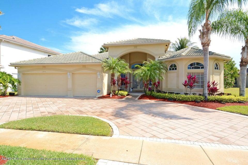 2916 Fontana Lane, West Palm Beach, FL 33411