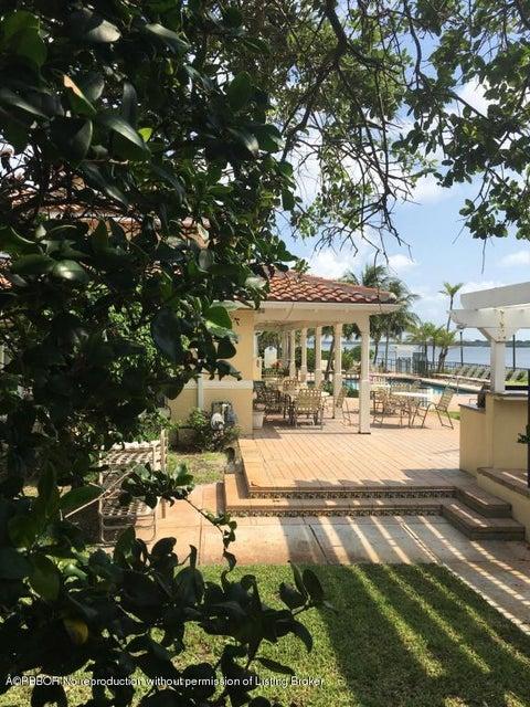 1050 Lake Shore Drive 105, West Palm Beach, FL 33403