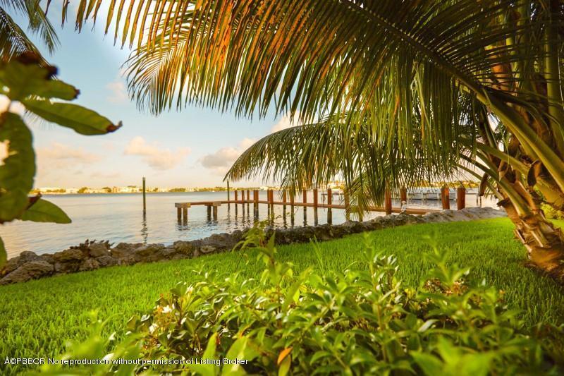 1820 S Ocean Boulevard, Lake Worth, FL 33462