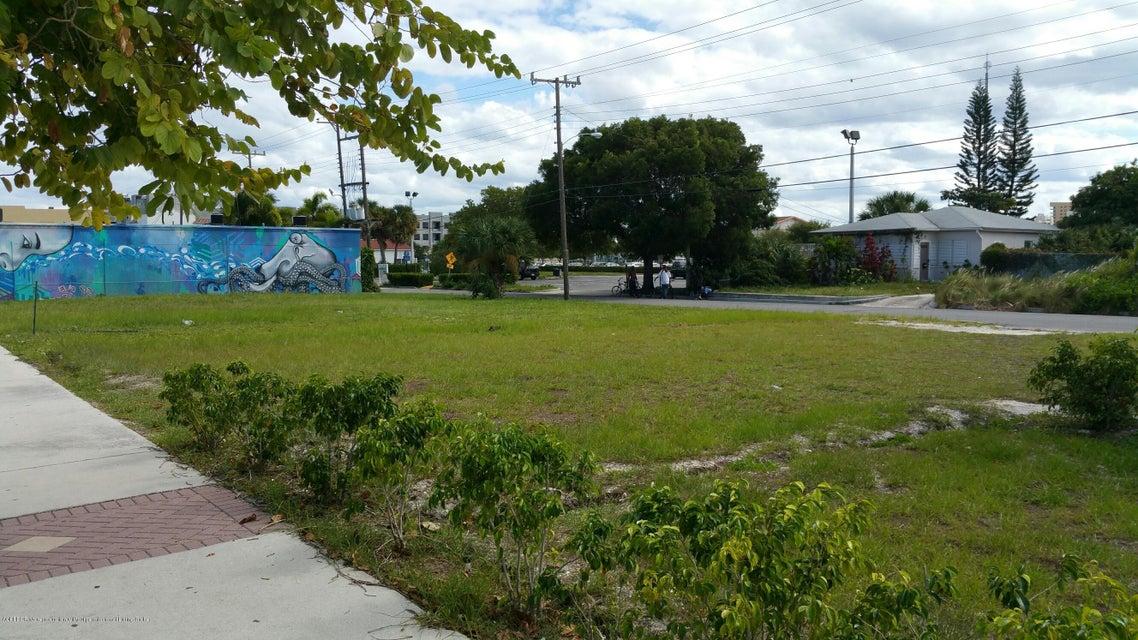 446 Northwood Road, West Palm Beach, FL 33407