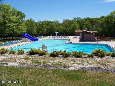 107 Hedge Dr Dingmans Ferry, PA 18328 - MLS #: 17-288