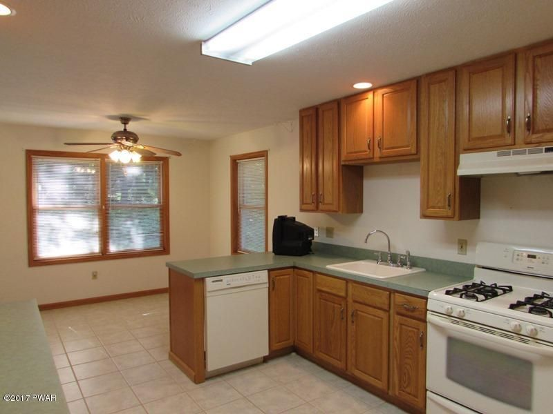 203 Fetlock Drive Lords Valley, PA 18428 - MLS #: 17-3879