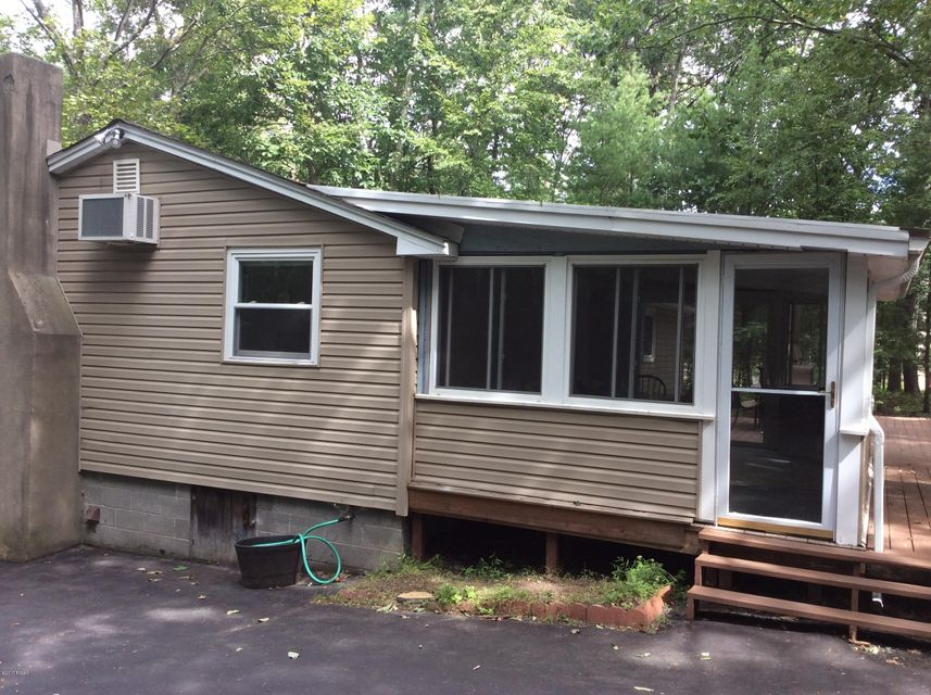 166 Doolan Rd Dingmans Ferry, PA 18328 - MLS #: 17-4053