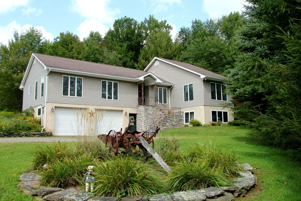 106 Memorial Links Rd Waymart, PA 18472 - MLS #: 17-4050