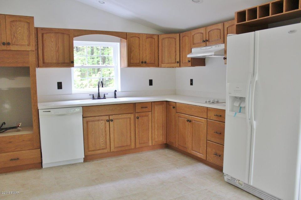 813 Hillview Pl Lords Valley, PA 18428 - MLS #: 17-4082