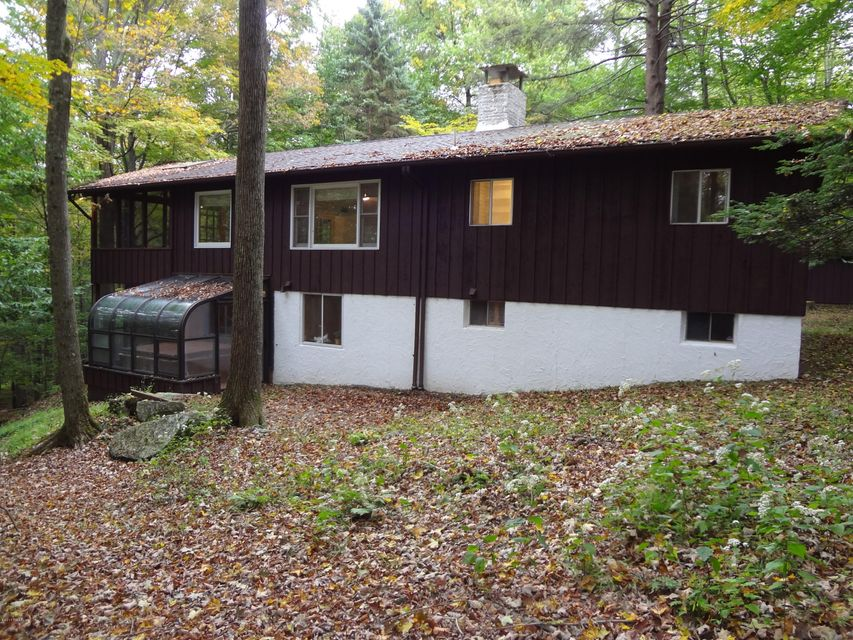 102 W Oak Lane Greentown, PA 18426 - MLS #: 17-4188