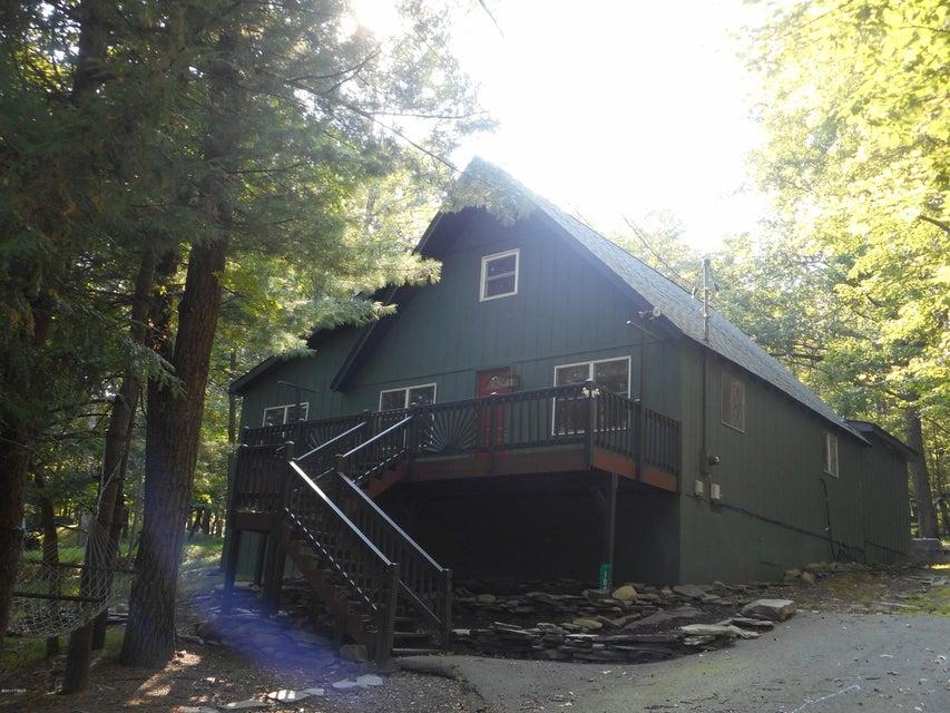109 Fall Ct Dingmans Ferry, PA 18328 - MLS #: 17-4254