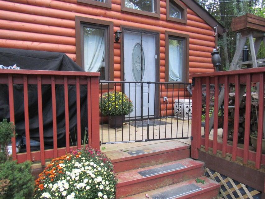 135 Walnut St Greentown, PA 18426 - MLS #: 17-4311