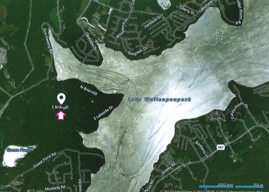 7 Douglas Dr Lakeville, PA 18438 - MLS #: 17-4264