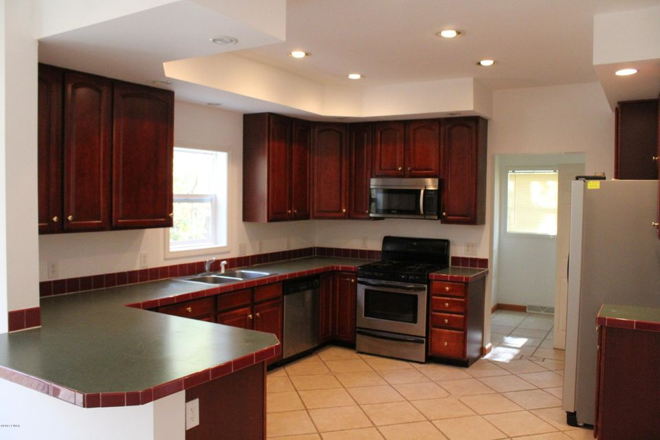 309 Canoebrook Dr Lords Valley, PA 18428 - MLS #: 17-4736