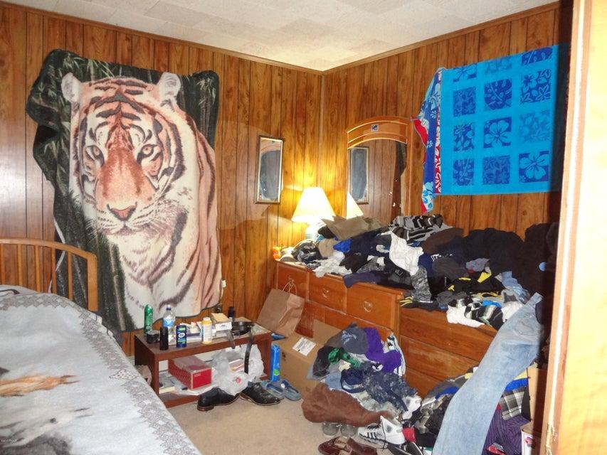 32 Iroquois Dr Lakeville, PA 18438 - MLS #: 17-4900