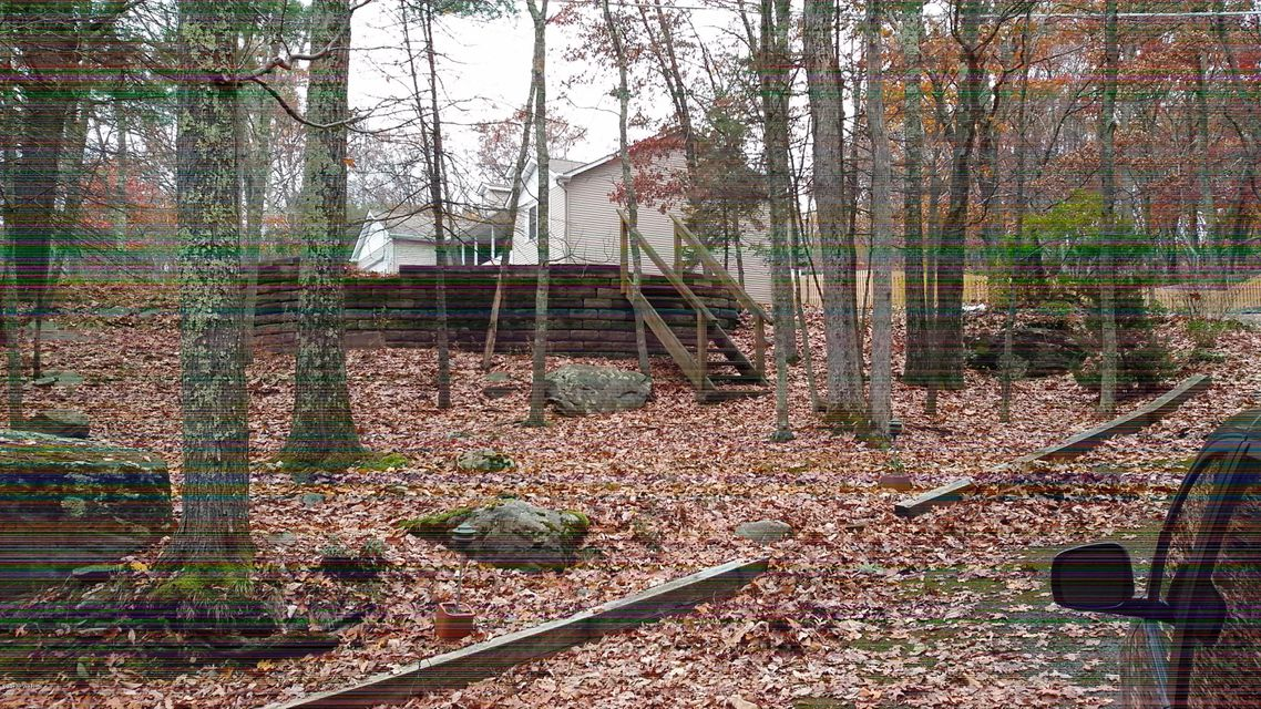 210 Country Club Dr Lords Valley, PA 18428 - MLS #: 17-4916