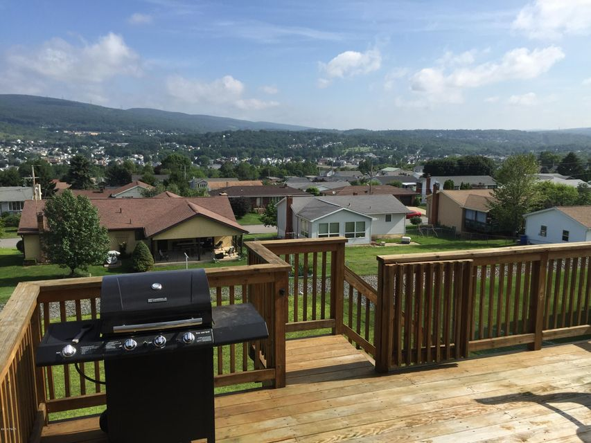 106 Commons Dr Olyphant, PA 18447 - MLS #: 17-5044