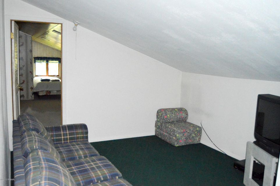 501 Forest Dr Hawley, PA 18428 - MLS #: 18-73