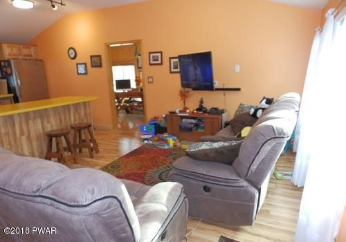110 Fox Ct Dingmans Ferry, PA 18328 - MLS #: 18-77