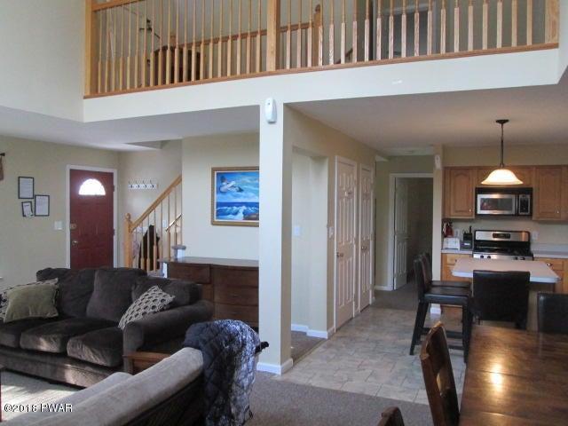 1039 Beaver Lake Dr Lake Ariel, PA 18436 - MLS #: 18-93