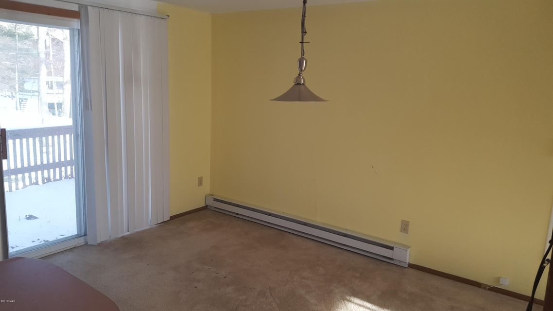 102 Red Squirrel Ct Dingmans Ferry, PA 18328 - MLS #: 18-94
