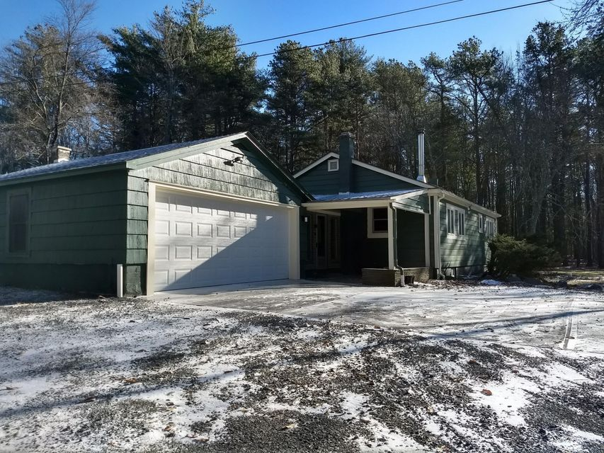1776 ROUTE 590 Hawley, PA 18428 - MLS #: 18-165