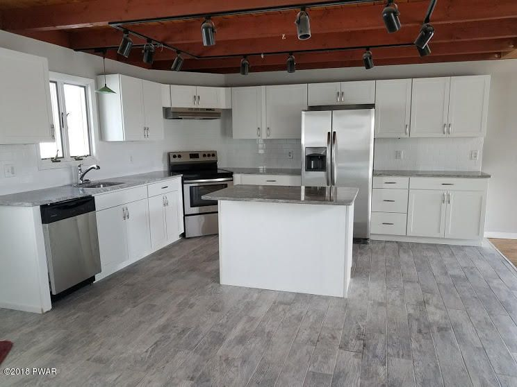 107 Overlook Ln Lords Valley, PA 18428 - MLS #: 18-164