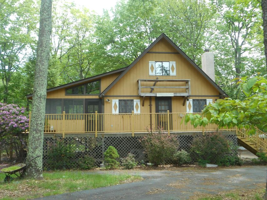 159 Spring Dr Dingmans Ferry, PA 18328 - MLS #: 18-171