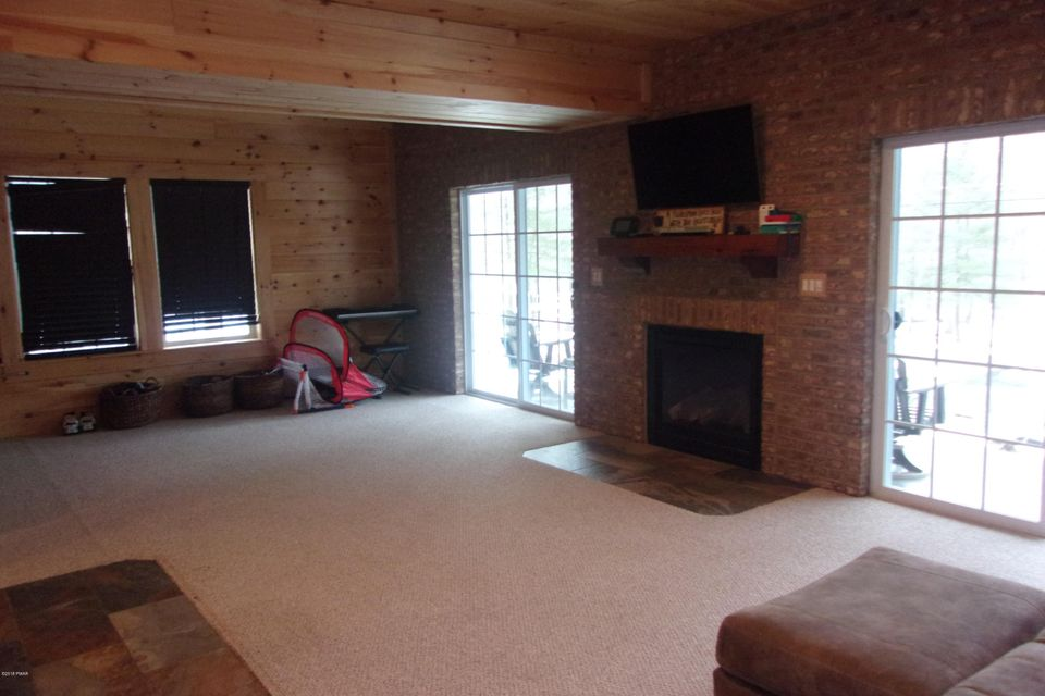 146 Lower Independence Dr Lackawaxen, PA 18435 - MLS #: 18-482
