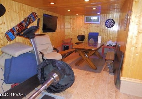 110 Fox Ct Dingmans Ferry, PA 18328 - MLS #: 18-223