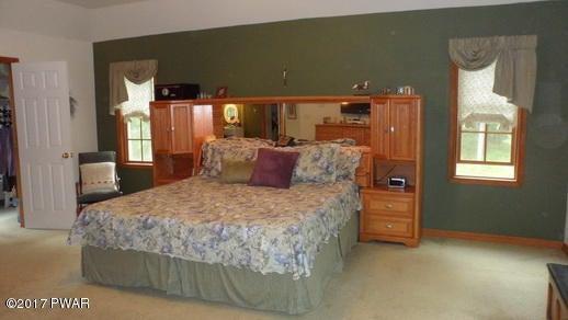 190 Kinsale Ln Dingmans Ferry, PA 18328 - MLS #: 18-313