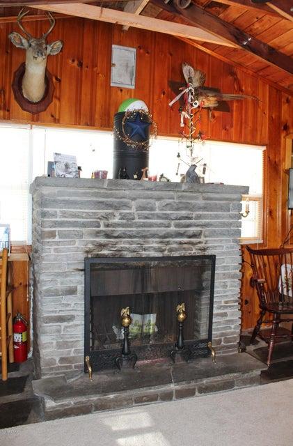 225 Willow Ln Greentown, PA 18426 - MLS #: 18-435