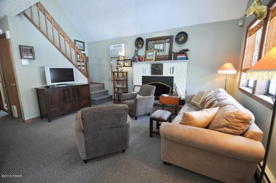 102 Cove Point Cir Lakeville, PA 18438 - MLS #: 18-501