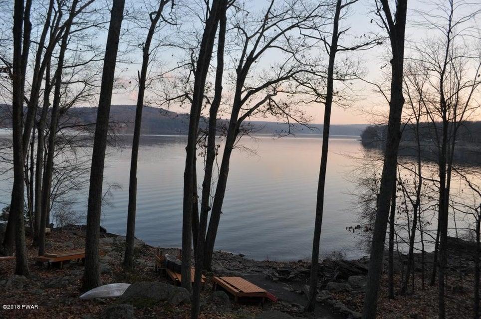 20 E Lakeside Dr Lakeville, PA 18438 - MLS #: 18-512