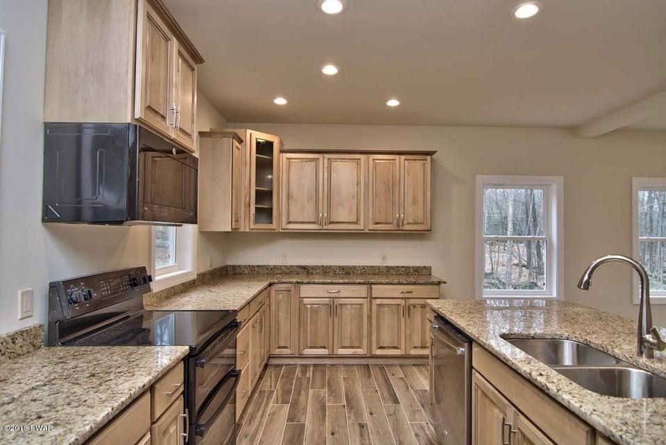 105 Squaw Valley Ln Tafton, PA 18464 - MLS #: 18-542