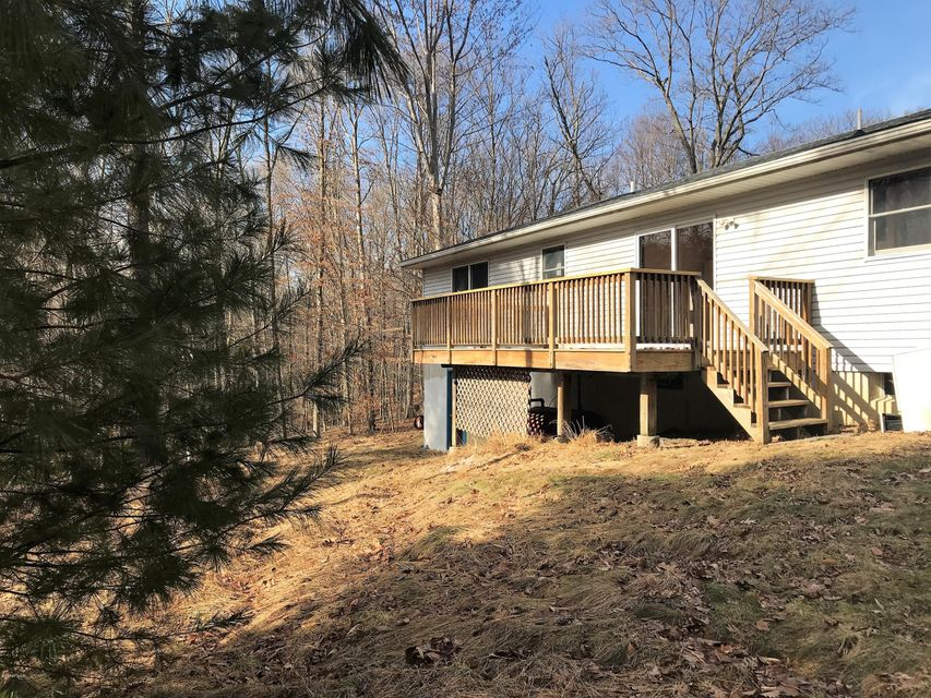 154 Woodland Dr Dingmans Ferry, PA 18328 - MLS #: 18-668