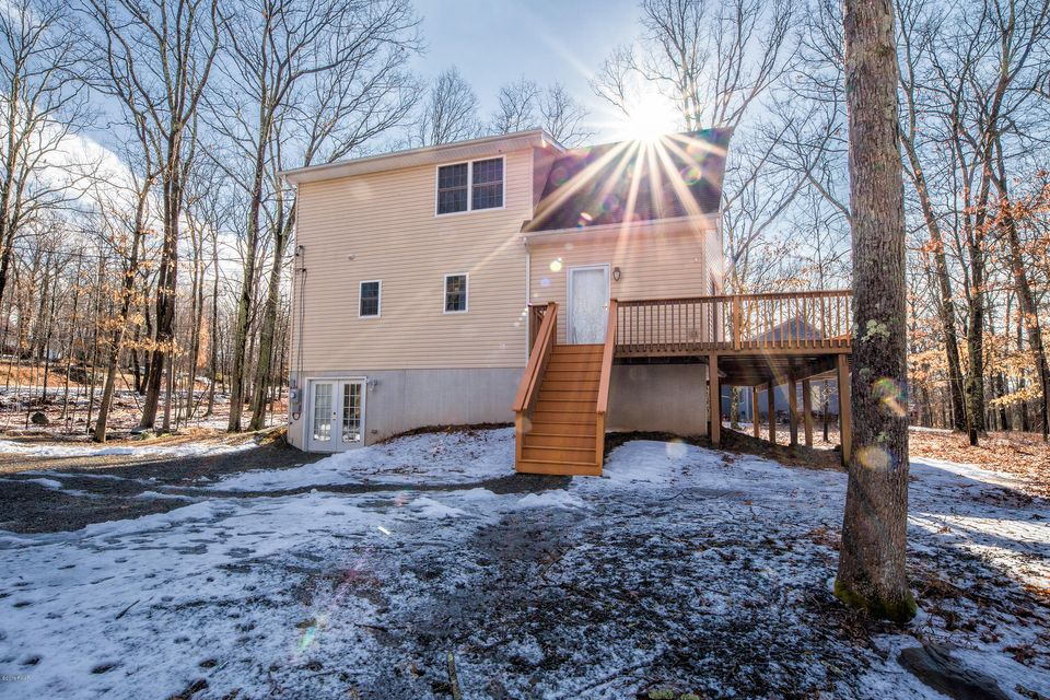 172 Constitution Dr Lackawaxen, PA 18435 - MLS #: 18-686