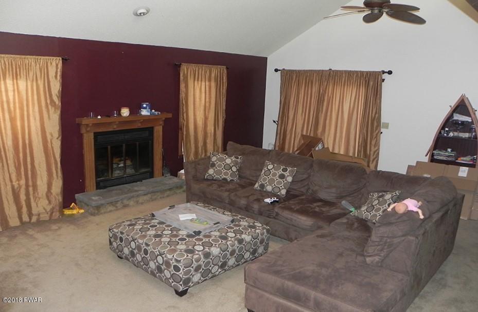 7 Laurel Cir Lakeville, PA 18438 - MLS #: 18-697