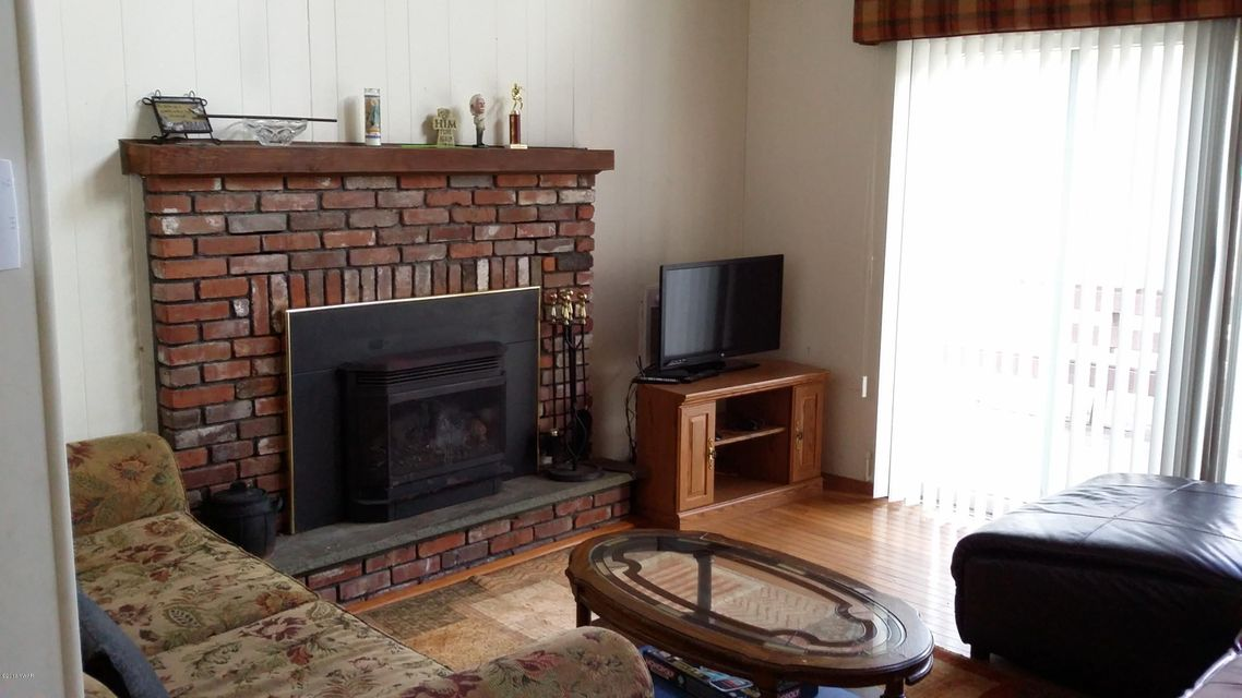 131 Surrey Dr Lords Valley, PA 18428 - MLS #: 18-709
