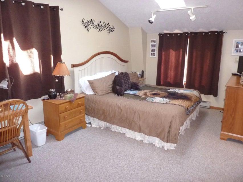 1176 Beaver Lake Dr Lake Ariel, PA 18436 - MLS #: 18-735