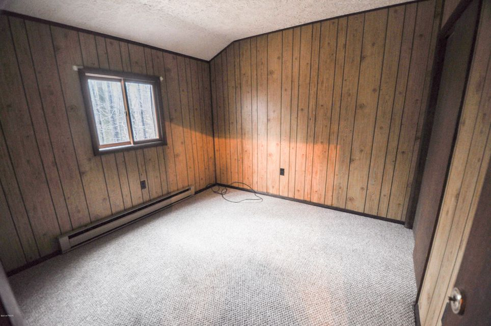 385 Lakewood Dr Lake Ariel, PA 18436 - MLS #: 18-741