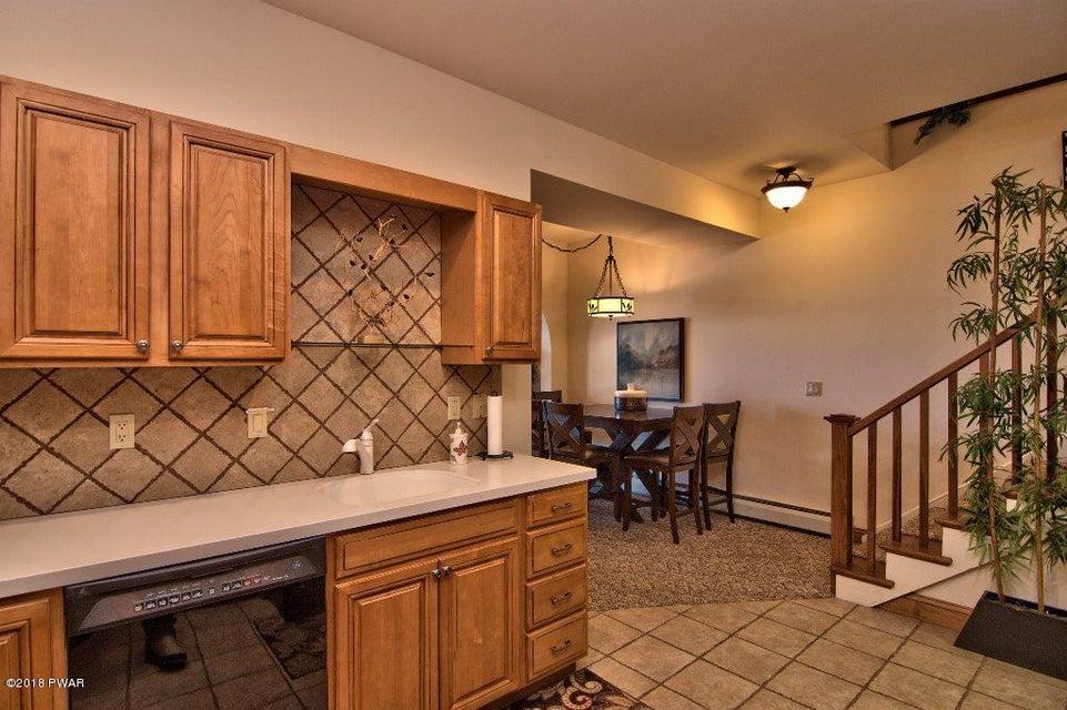 39 Boulder Point Rd Lakeville, PA 18438 - MLS #: 18-812