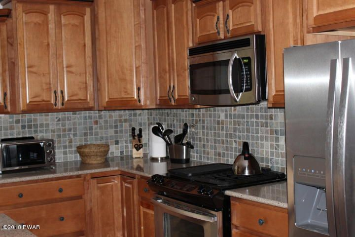 808 Stirrup Ct Lords Valley, PA 18428 - MLS #: 18-806