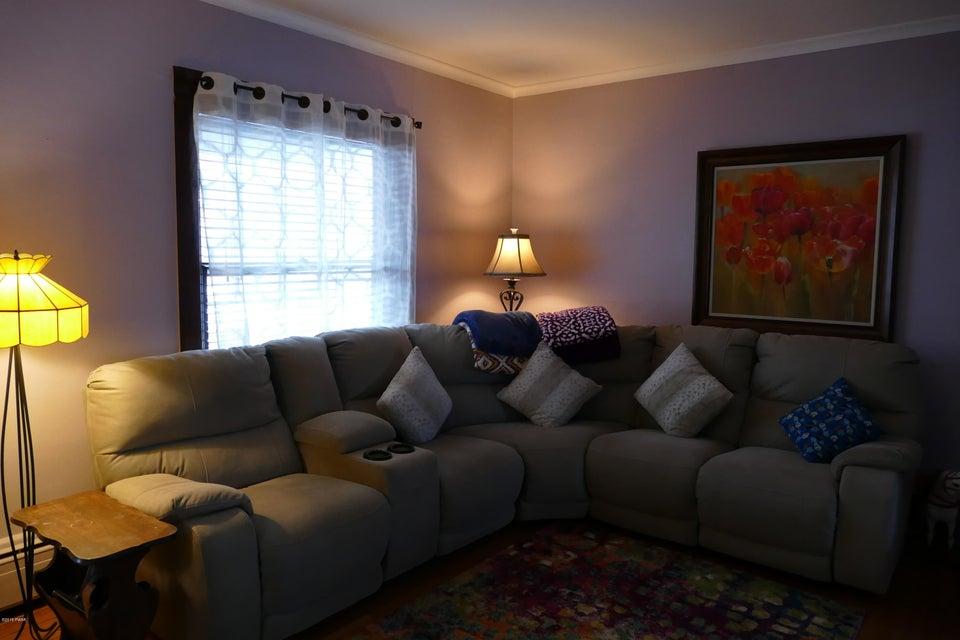 825 N Irving Ave Scranton, PA 18510 - MLS #: 18-830