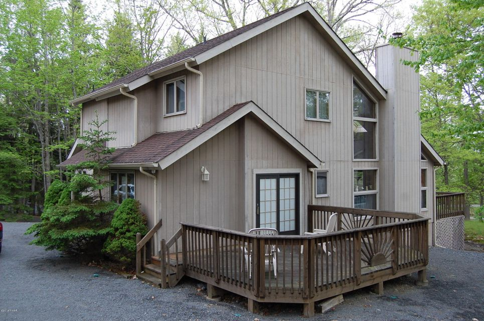 801 Falling Brook Court Lords Valley, PA 18428 - MLS #: 18-899